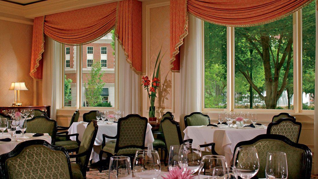 ritz_stlouis_08_restaurant2_portfolio_current